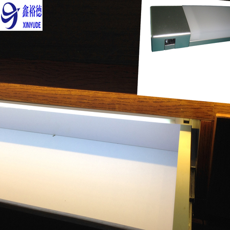 LED inner cabient light with door contact sensor